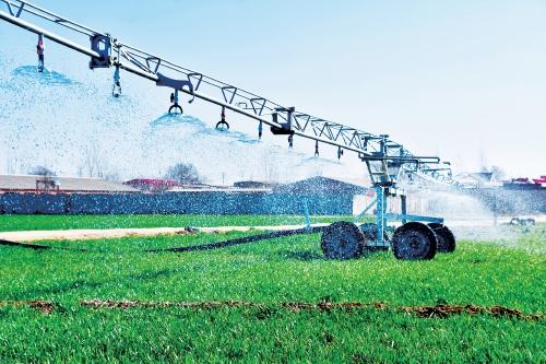 河北宁晋县:新机械让春灌节水省时