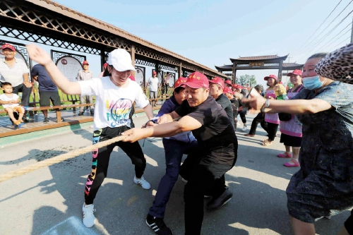 江苏连云港市浦南村举办第二届农民趣味运动会